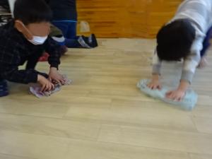 雑巾がけ②